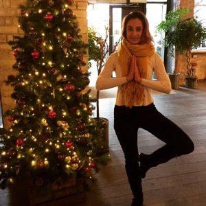 yoga pose tree pose vrikshasana