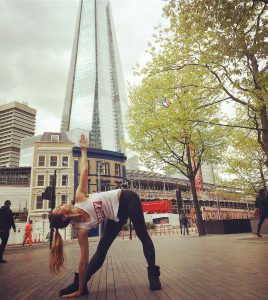 yoga pose trianglepose trikonasana Shard Londonbridge