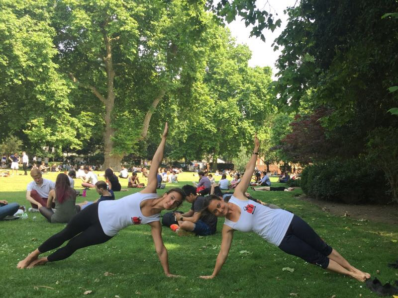 Corporate Yoga, International Yoga Day 2017 Free Yoga Promo Lincoln's Inn Fields, Vasisht Asana Vashisht Asana Vasishtasana Vashishtasana side plank, workplace yoga, office yoga, yoga everywhere, wellness week, desk yoga, chair yoga, corporate health and wellbeing champion, yoga London